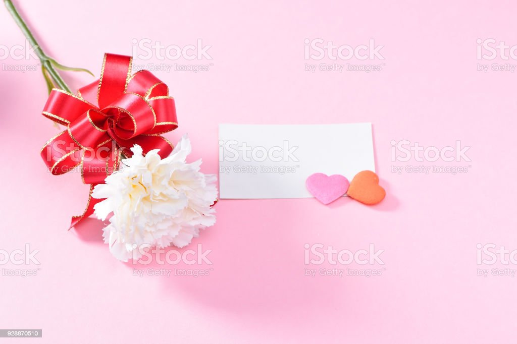 May Mothers Day Carnation Bunch Of Flowers Bouquet With Gift Card Top View Blank For Text Pink Stock Photo Download Image Now Istock