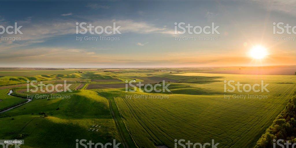 Puede amanecer panorámica en las llanuras del medio oeste - foto de stock
