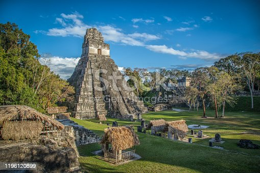 La pyramide numéro 1 à Tikal, Guatemala.