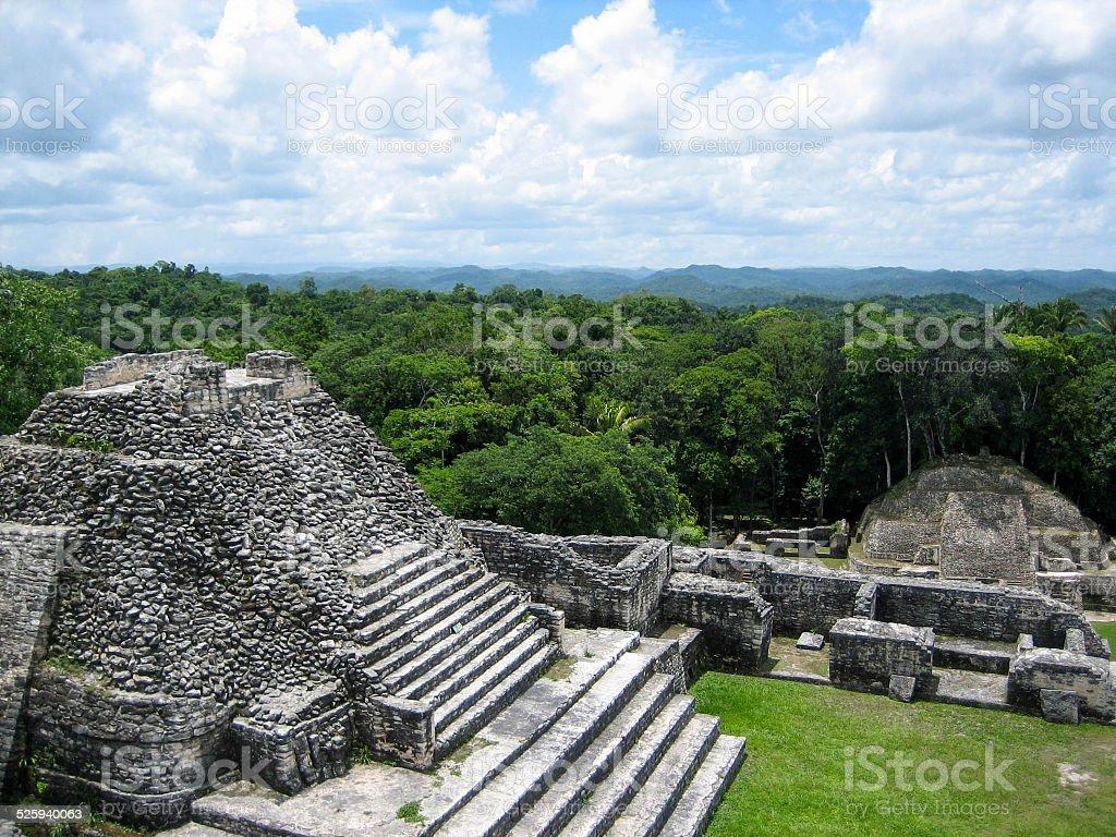 Las pirámides Mayas y selva del Caracol - foto de stock