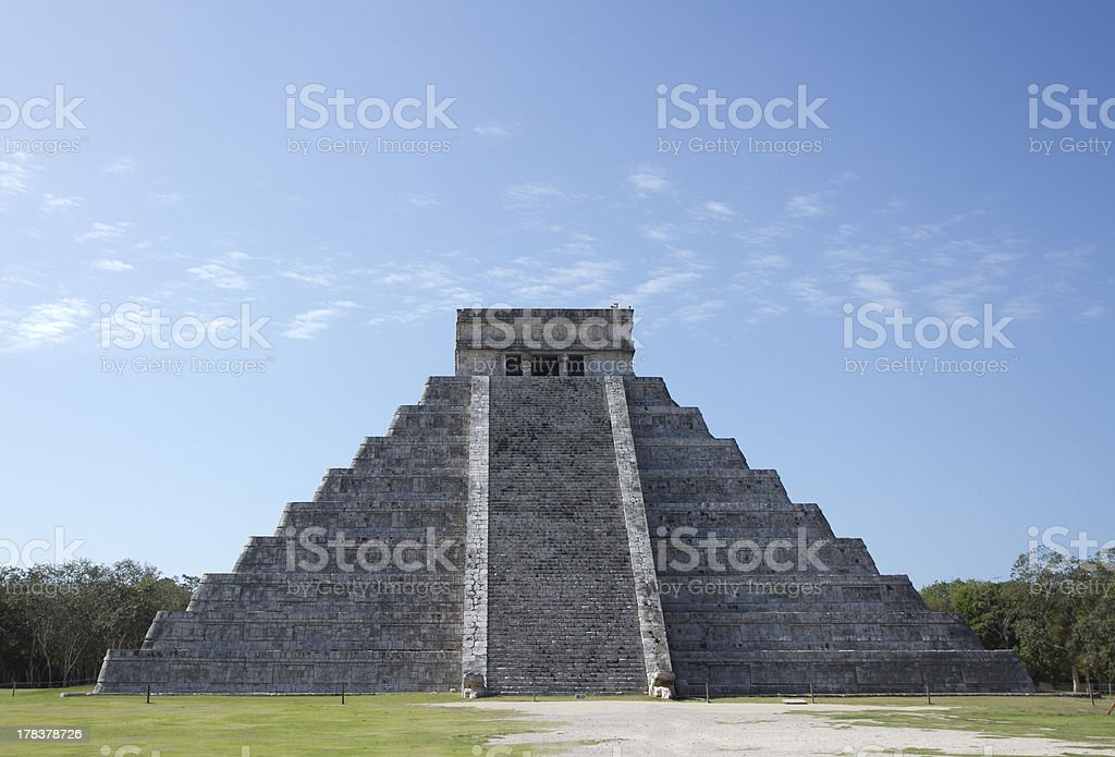 mayan ruins at chichen itza, mexico stock photo