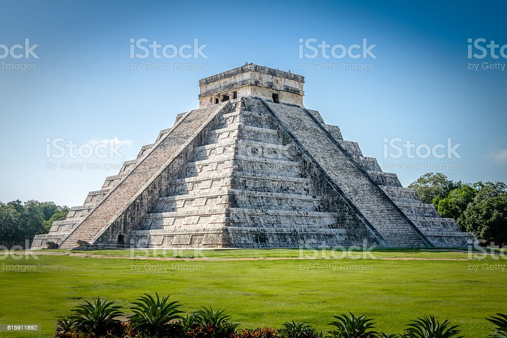 Mayan Temple pyramid  of Kukulkan - Chichen Itza, Yucatan, Mexico stock photo