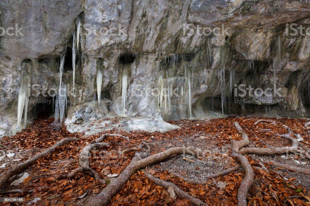Mazarna 동굴입니다. - 로열티 프리 0명 스톡 사진