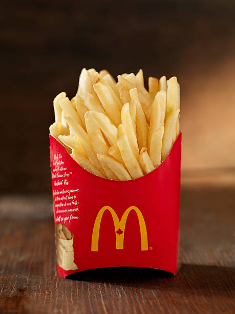 mcdonalds картофель фри - mcdonalds стоковые фото и изображения