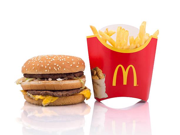 mcdonald's и hamburger fries - mcdonalds стоковые фото и изображения