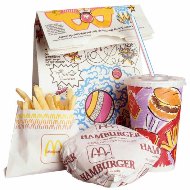 McDonald's-Happy Essen auf Weiß – Foto