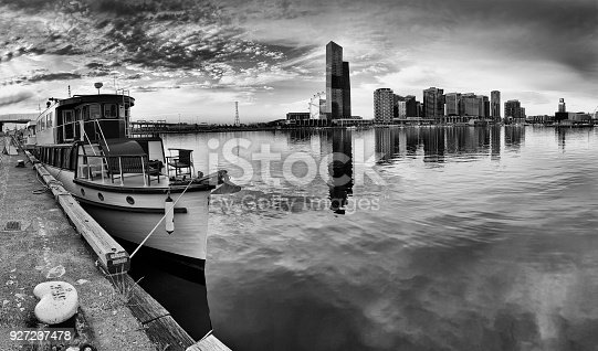 istock Me DOcklands Boat 2 Mid Pan 927237478