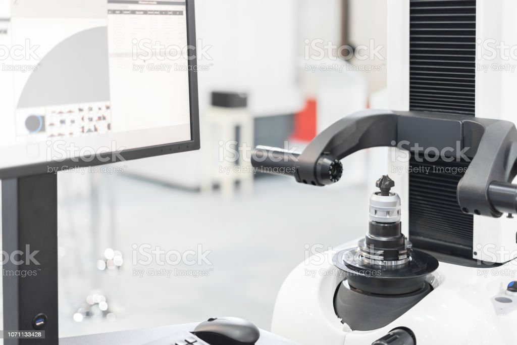 Measurement cutting tool by automate vision system show result on monitor, prepare cutting tool before process machining stock photo