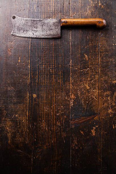cutelo em fundo de madeira - meat texture imagens e fotografias de stock