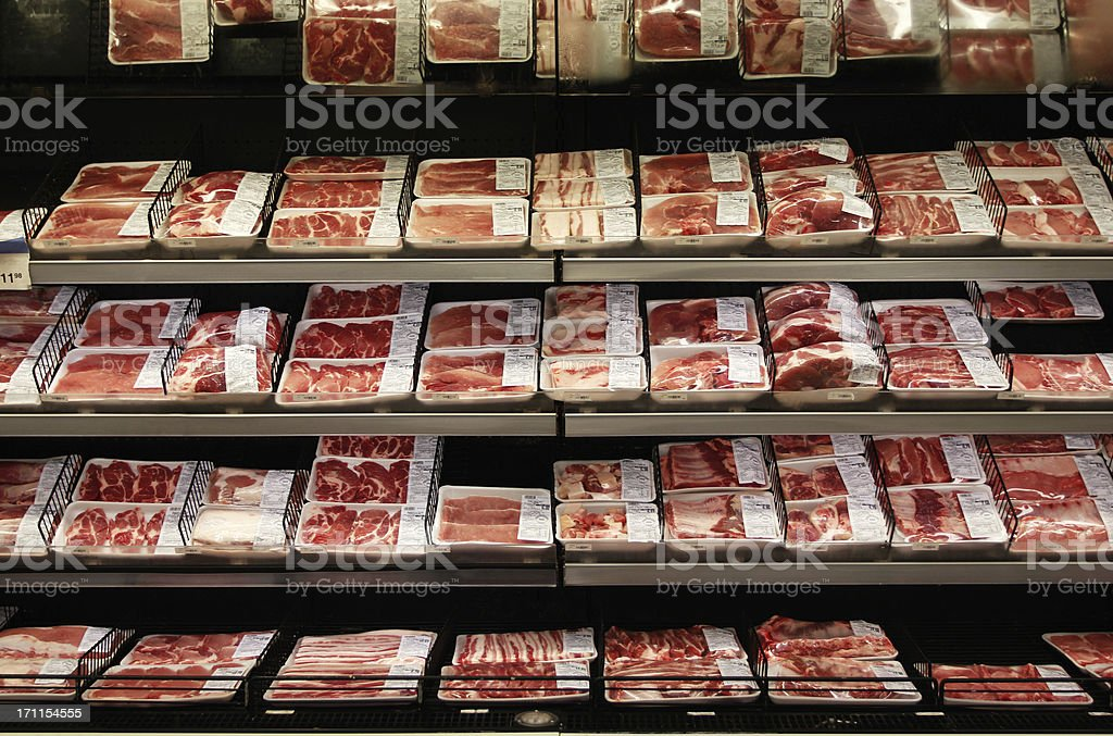 肉部門のスーパーマーケット ストックフォト