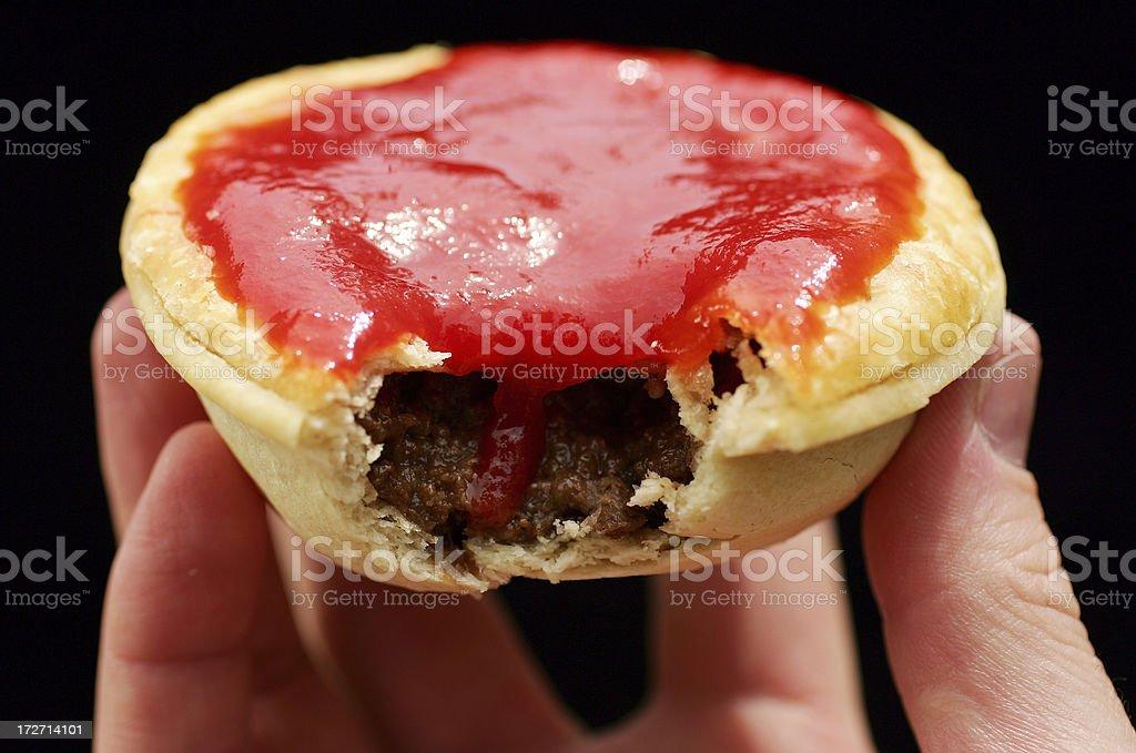 Fleischpastete mit Sauce – Foto