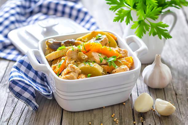 fleisch stew - paprika hähnchen stock-fotos und bilder