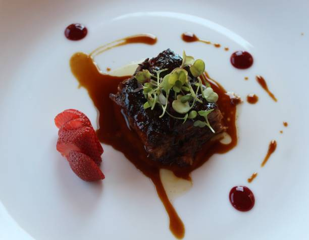 Carne con salsa - foto de stock