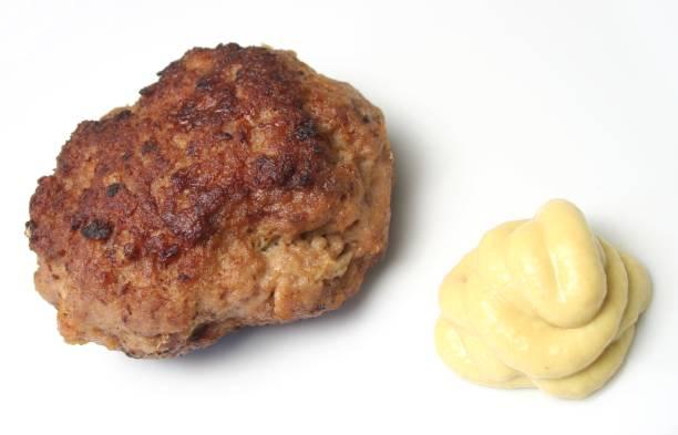 fleischbällchen (bulette - frikadelle stock-fotos und bilder