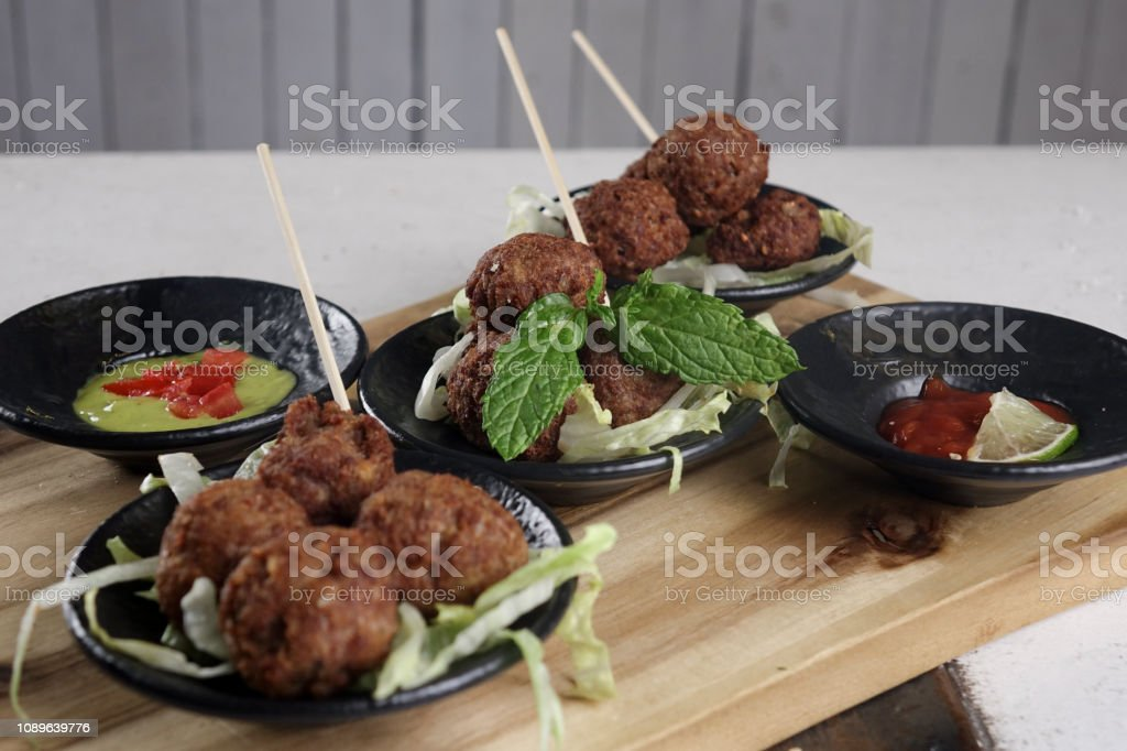 Meatballs with sauces - foto stock