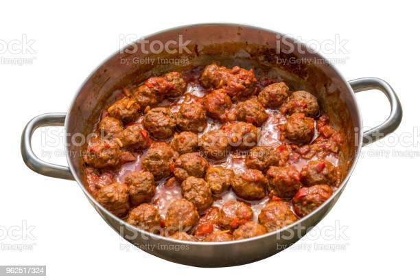 Foto de Almôndegas Com Molho De Tomate Em Uma Panela e mais fotos de stock de Alimentação Saudável