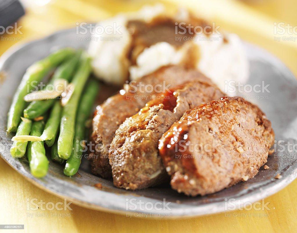 greenbeans und Hackbraten mit Kartoffelbrei - Lizenzfrei Bildschärfe Stock-Foto
