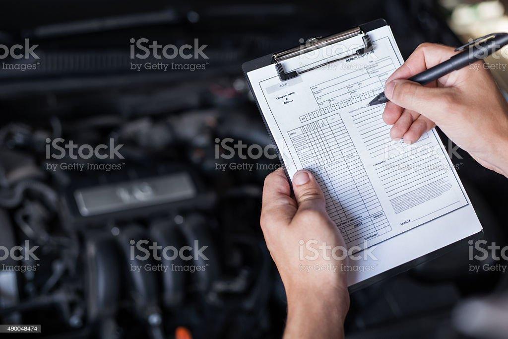 Auto Mechaniker Handwerker Inspektion – Foto