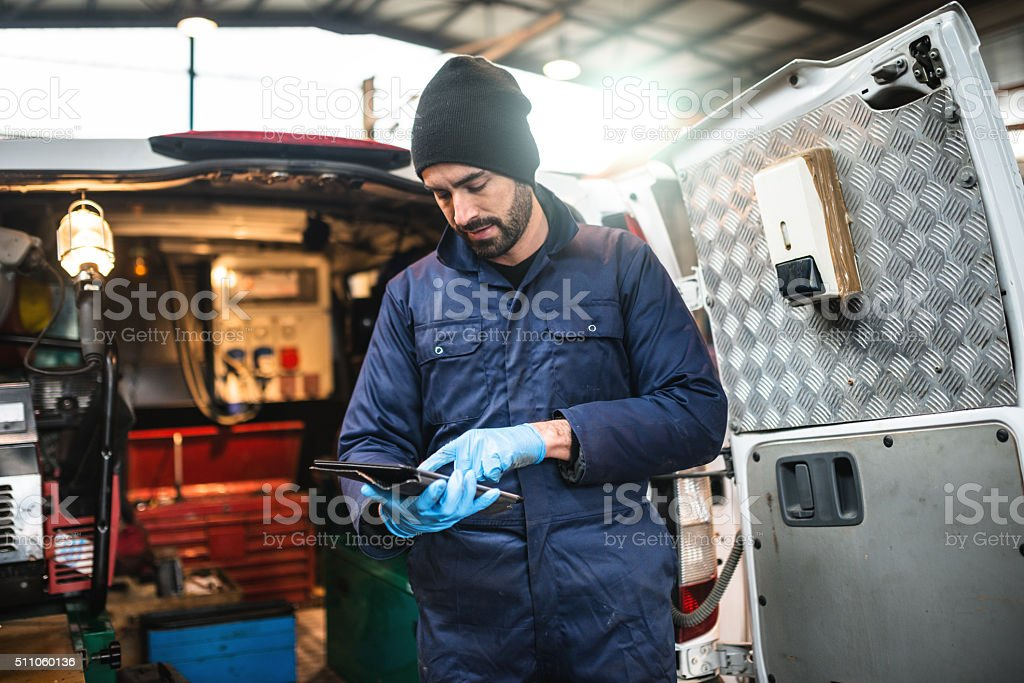 Mechanik in einer garage-Techniker – Foto