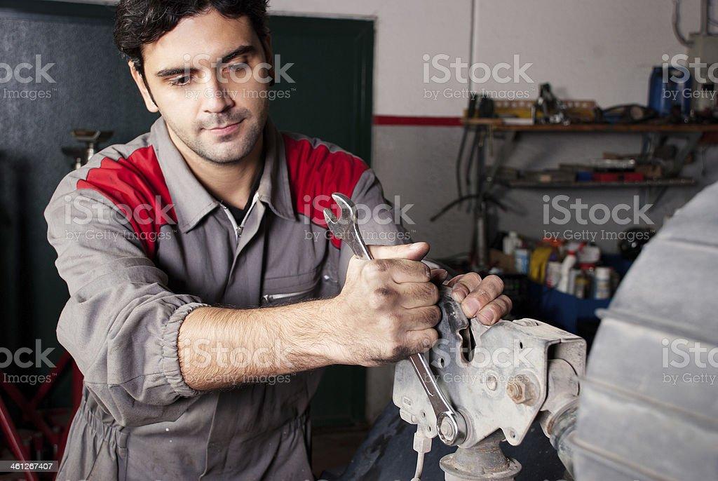 Mechaniker bei der Arbeit. – Foto
