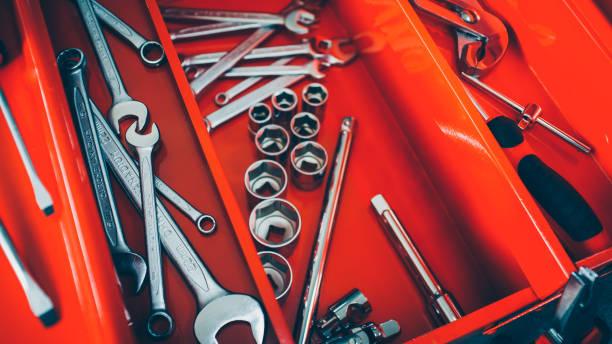 instrumentos de llave de caja de herramientas del taller mecánico - foto de stock