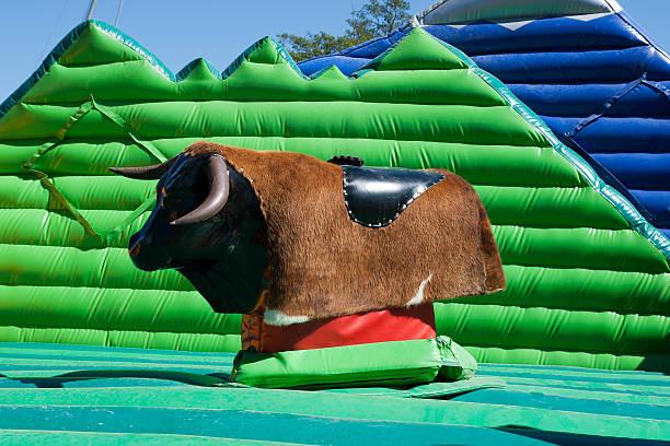 taureau mécanique - rodeo photos et images de collection