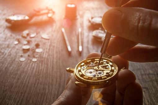 istock Mechanical watch repair 898945810