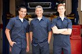 istock Mechanics at work 134020925