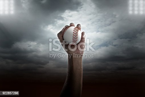 istock Medal Of baseball In Hand. 922857266