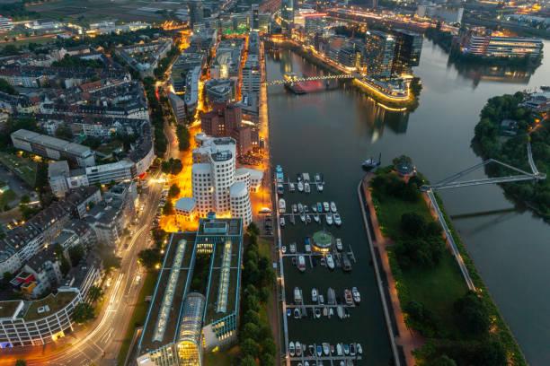 Medienhafen in der Nacht, Düsseldorf – Foto