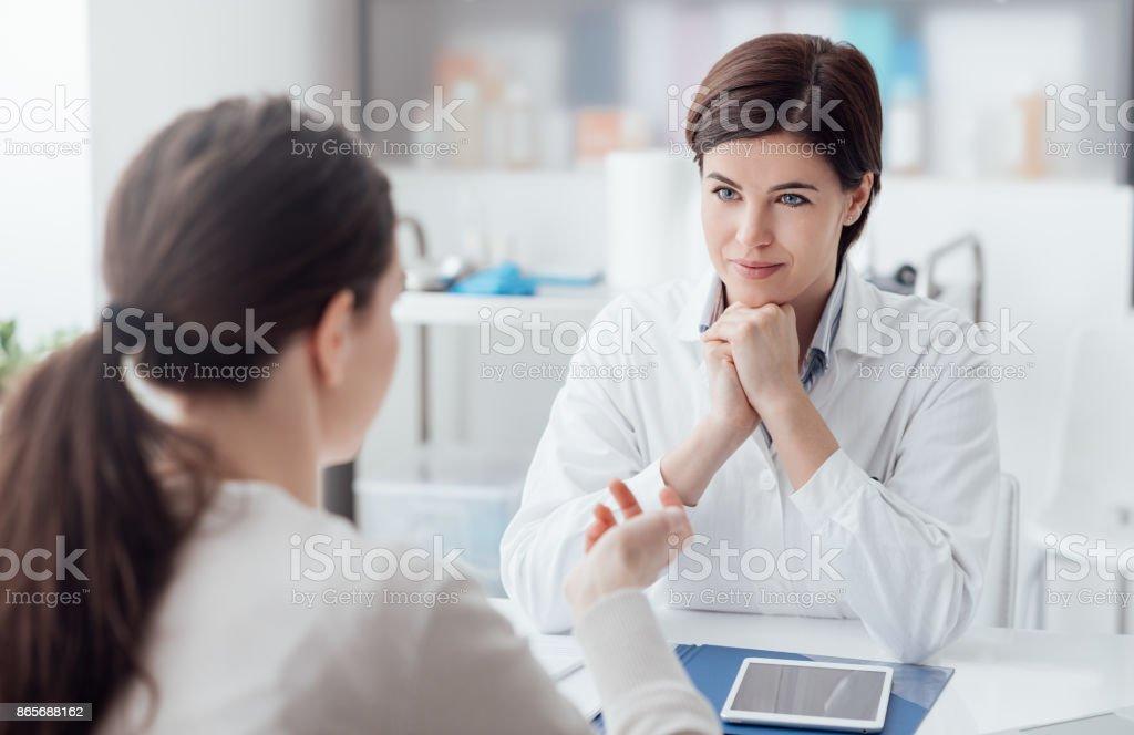 Consulta médica - foto de acervo