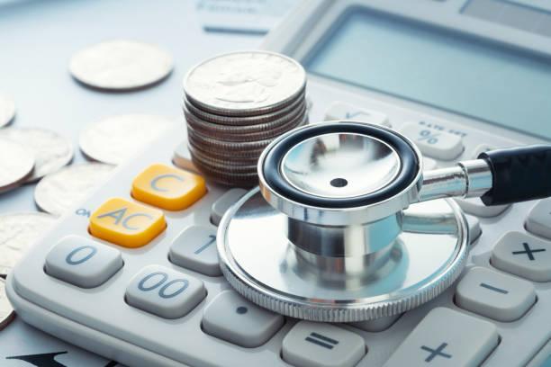 seguro de finanzas médicas - accesorio financiero fotografías e imágenes de stock
