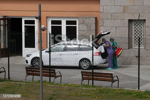 A Coruña-Spain.Medical staff of the Galician Health Service putting PCR test of Fuenlabrada CF players infected by the coronavirus covid-19 in their car on July 21, 2020