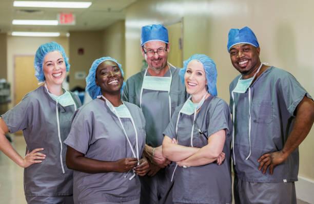 equipo médico en el hospital - accesorio de cabeza fotografías e imágenes de stock