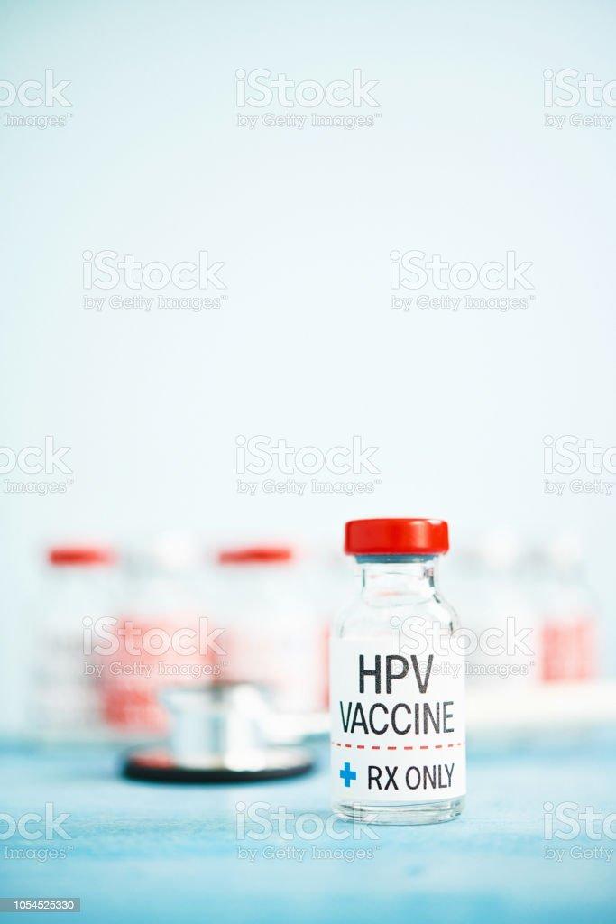 Medizinische Fläschchen mit HPV-Impfstoff – Foto