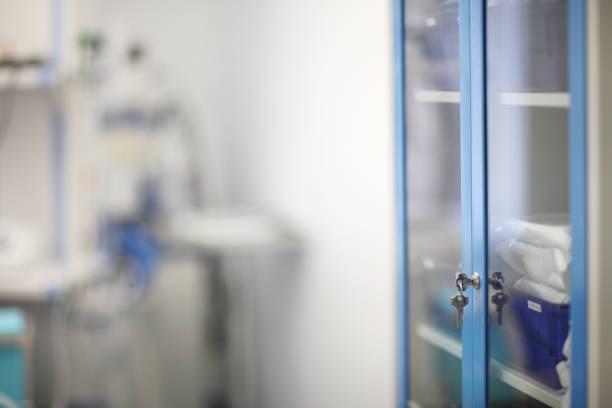 Medizin gläserne Schranktüren – Foto