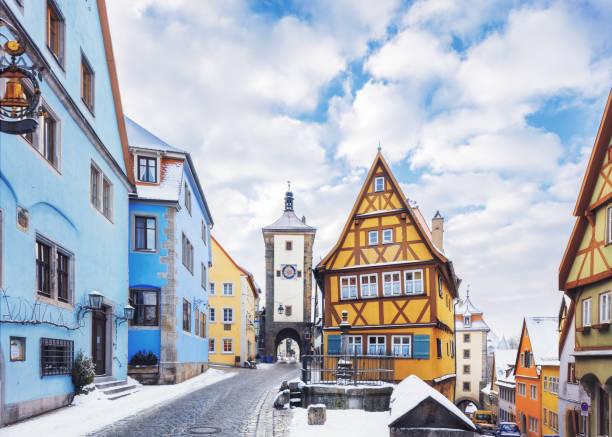 middeleeuwse oude rothenburg ob der tauber - rothenburg stockfoto's en -beelden