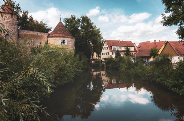 Mur médiéval et rivière Wornitz-Dinkelsbuhl, Allemagne - Photo