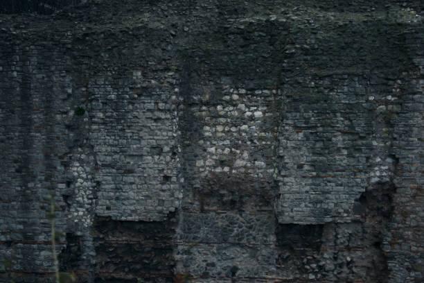 middeleeuwse muur - versterkte muur stockfoto's en -beelden