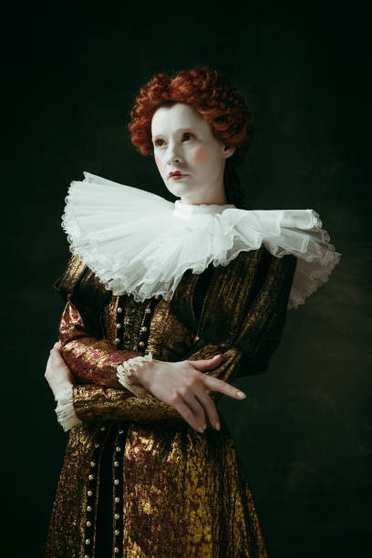 medieval young woman as a duchess - duchessa foto e immagini stock
