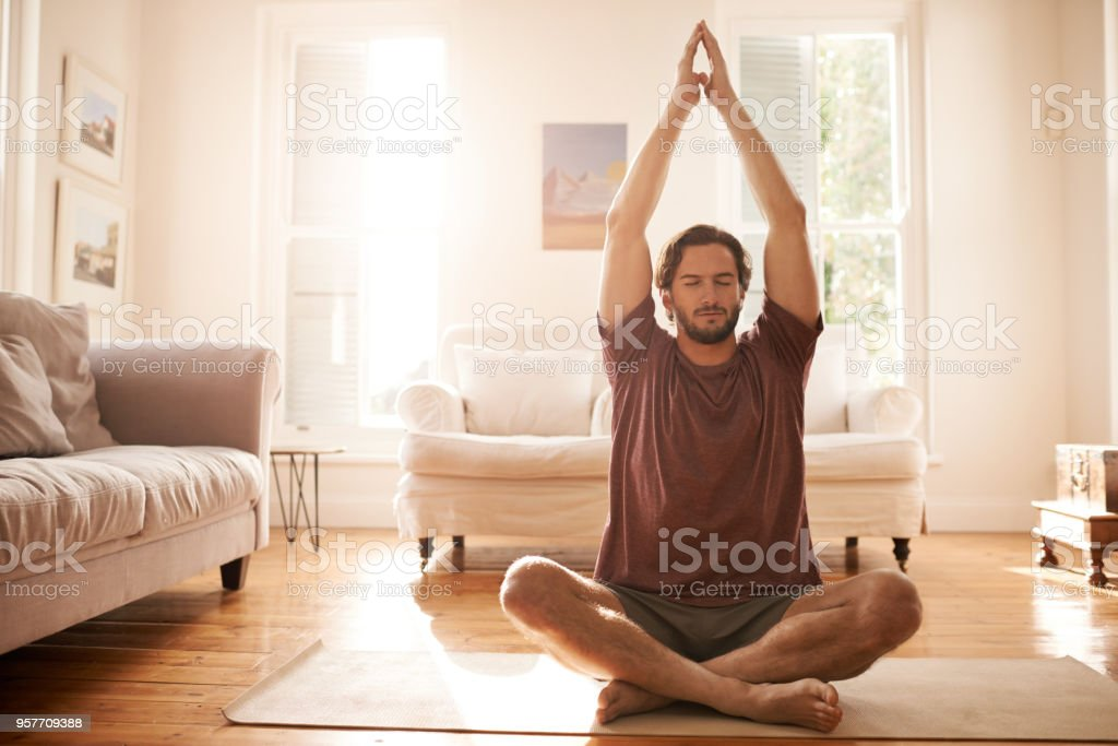 Meditation hat ihn eine viel ruhigere Person gemacht. – Foto