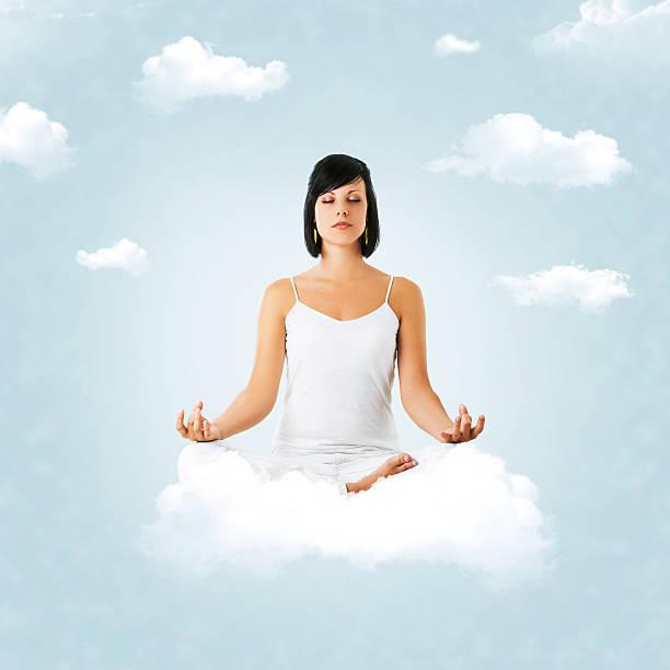 meditation in wolken - marko skrbic stock-fotos und bilder