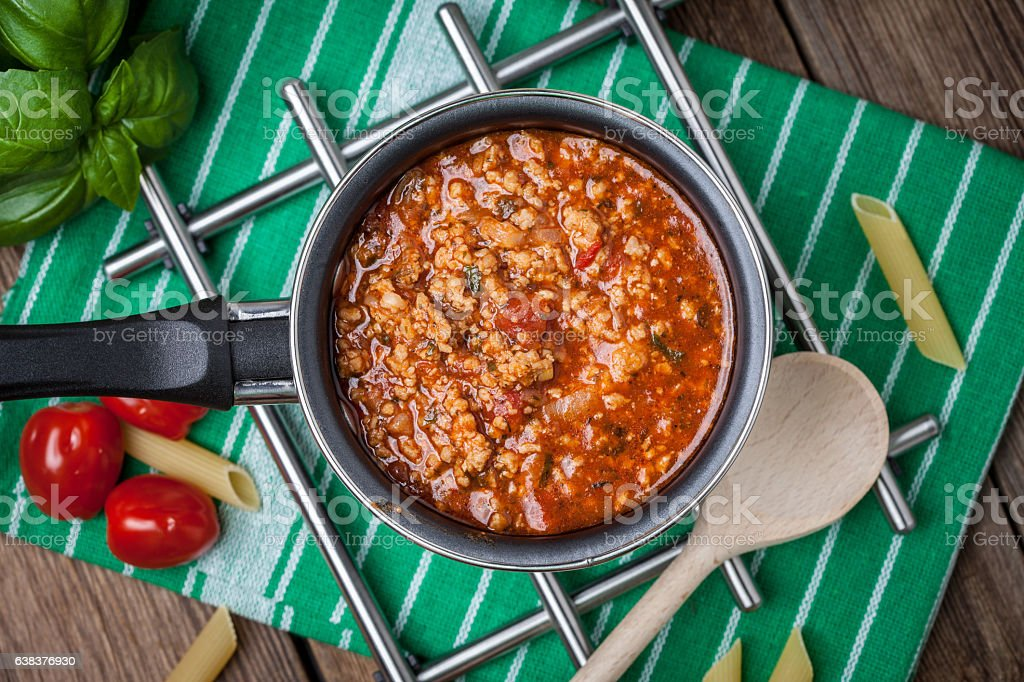 Mediterrane Mahlzeit vorzubereiten. – Foto