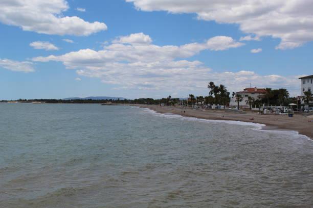 Costa mediterránea en Les Cases D'alcanar, España - foto de stock