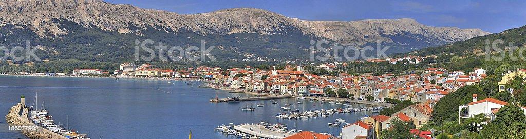 Mediterrane Stadt Baska panorama – Foto