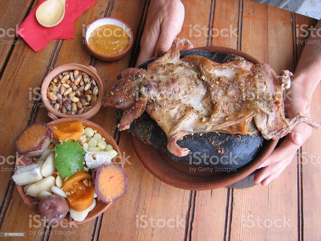 Meerschweinchen essen in Peru stock photo