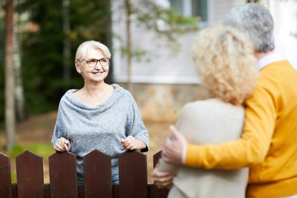 meeting neighbours - vizinho imagens e fotografias de stock