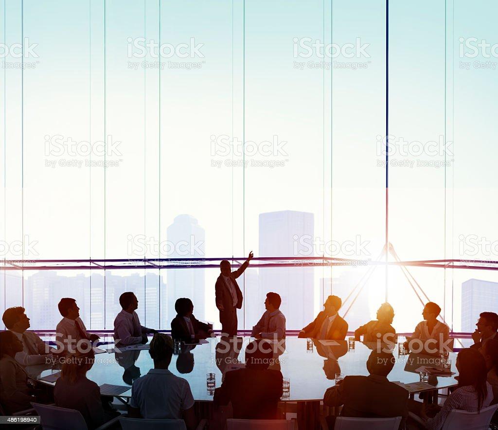 Sala de reuniones de negocios, reuniones concepto de liderazgo - foto de stock