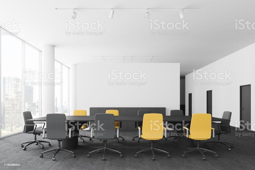 Tagungsraum Interieur mit Türen – Foto