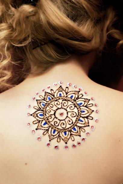 mehendi bild - tatto vorlagen stock-fotos und bilder